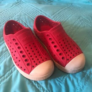 ❤️ Native toddler sz 8 red shoes, boys/girls